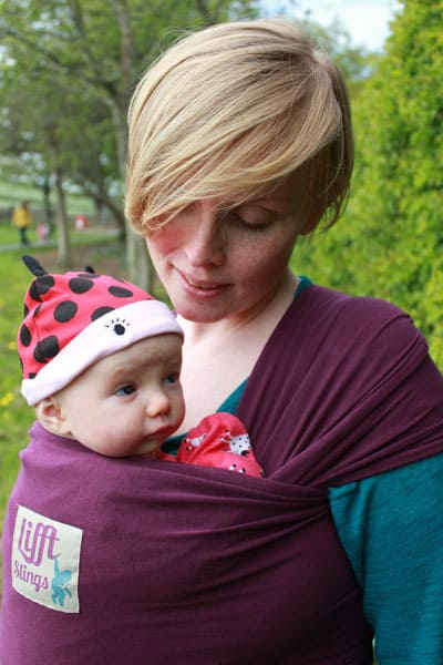 Lifft two way stretch wrap for newborn baby plum